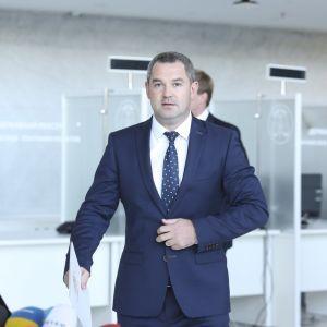 Экс-глава ГФС объяснил, почему не явился на допрос в САП