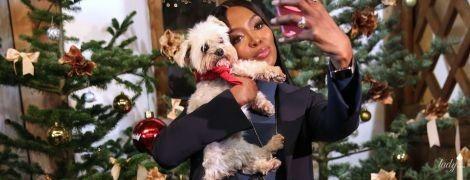 Дама с собачкой: Наоми Кэмпбелл на рождественской ярмарке