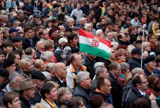 Україна передала Угорщині угоду про запобігання множинному громадянству