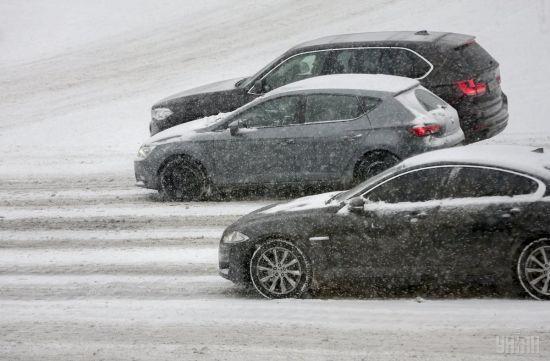 Перший сніг у Києві: за добу в столиці сталася рекордна кількість ДТП