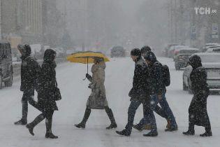 Киев после первого снега и короткой оттепели ждет ночного мороза