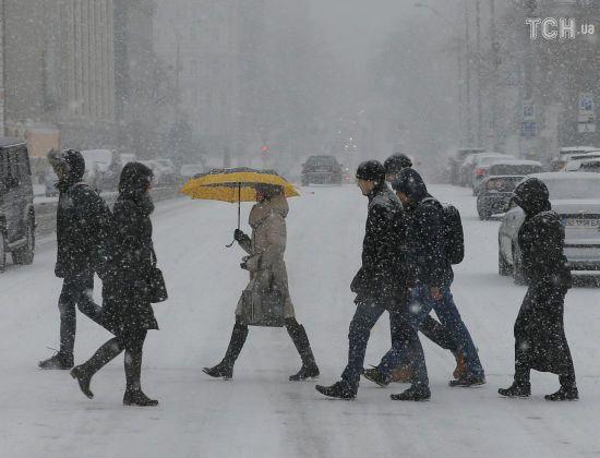 Київ після першого снігу і короткої відлиги чекає на нічний мороз