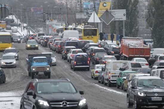 """В """"Укравтодорі"""" розповіли про стан доріг у зв'язку з випаданням снігу, дощів та заморозками"""