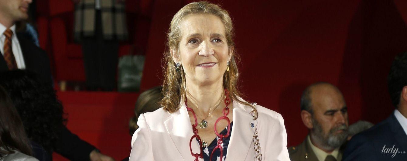 Удивила: испанская принцесса Елена в пестром наряде сходила на торжественное мероприятие