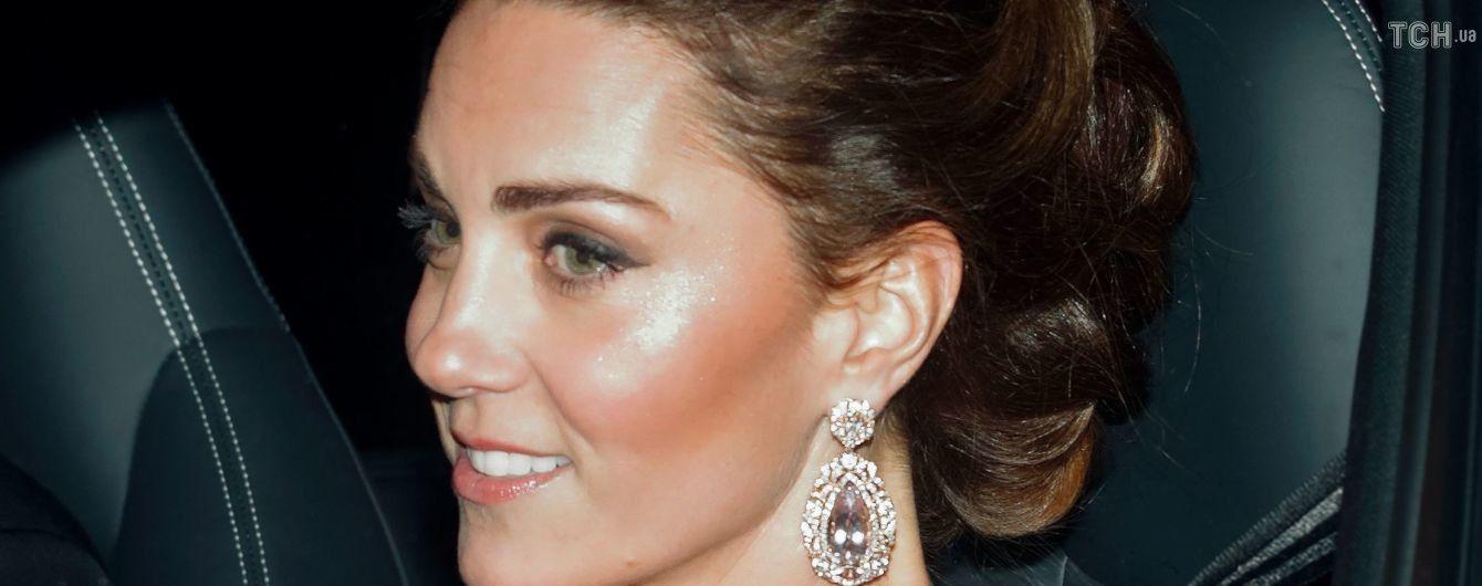 Розкішні Меган та Кейт у діамантах відвідали тиху вечірку на честь 70-річчя принца Чарльза