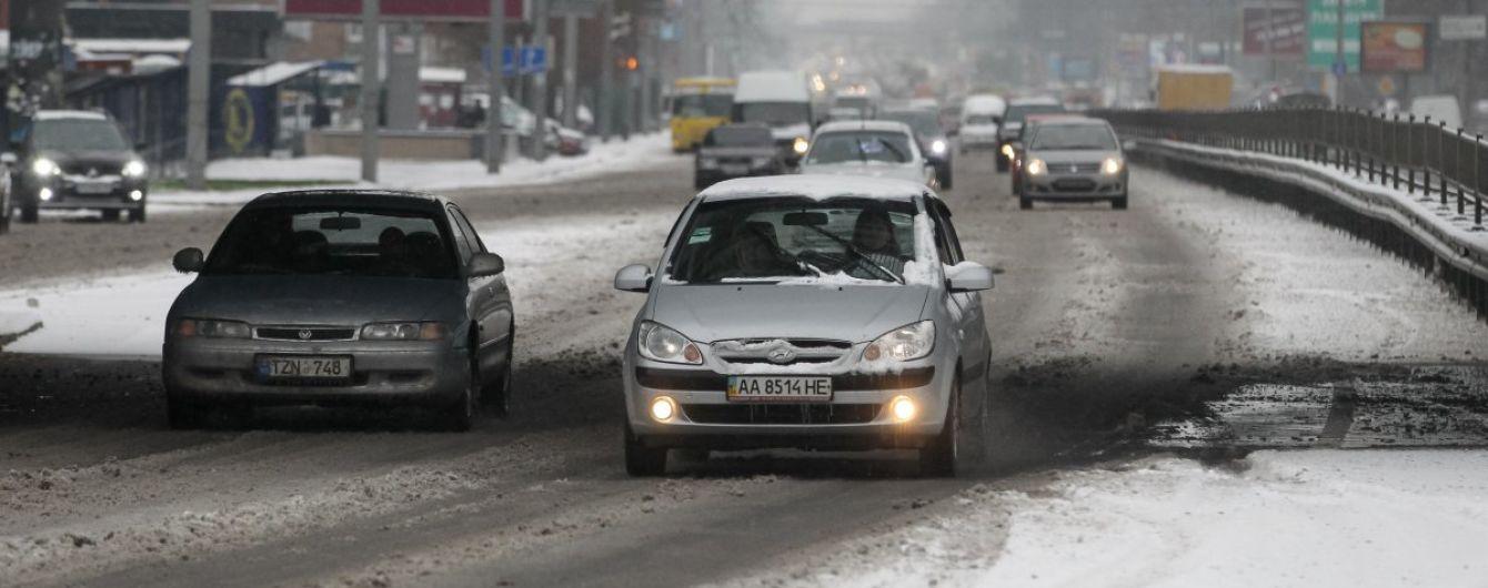 У поліції розвіяли головні міфи про зимову і літню гуму