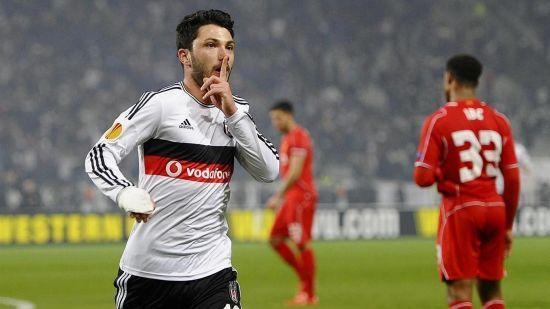 У Туреччині футболіста відсторонили від тренувань за те, що він поїв у перерві матчу