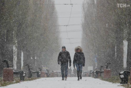 Зима продовжує наступати. Синоптики обіцяють сніг, морози і вітри