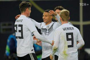 Германия благодаря фантастическому первому тайму разгромила Россию