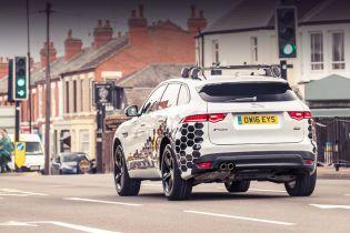 Автомобили Jaguar Land Rover научили избегать пробки