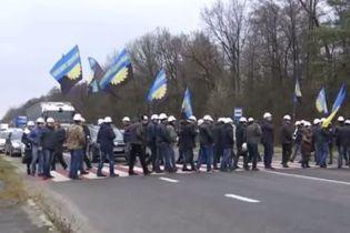 Шахтеры перекрывали пункт пропуска в Польшу из-за долгов по зарплате