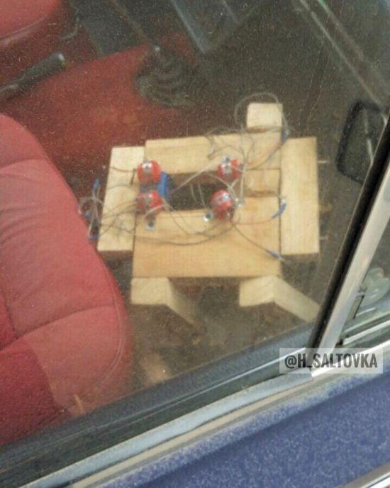 У центрі Харкова в автомобілі виявили підозрілий предмет - поліція перекрила вулицю