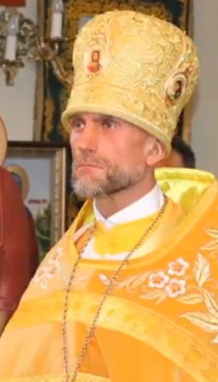В столице активисты остановили священника, который объезжал пробку по пешеходной дорожке