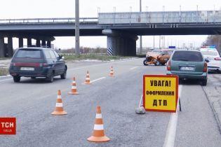 ВАЗ на летней резине устроил ДТП на днепропетровской трассе