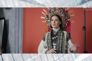 Мария Ефросинина сфотографировалась в национальном наряде невесты