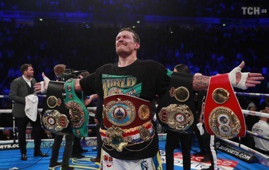 Усика визнали найкращим боксером року незалежно від вагової категорії