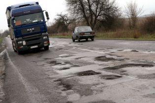 Адвокат розповів, як діяти українцям після ДТП через погані дороги
