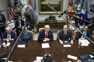Трамп розсмішив фінів, похваливши їх за прибирання лісу граблями