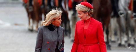 Ярка королева Матильда и элегантная Брижит Макрон: дамы встретились на красной дорожке в Брюсселе