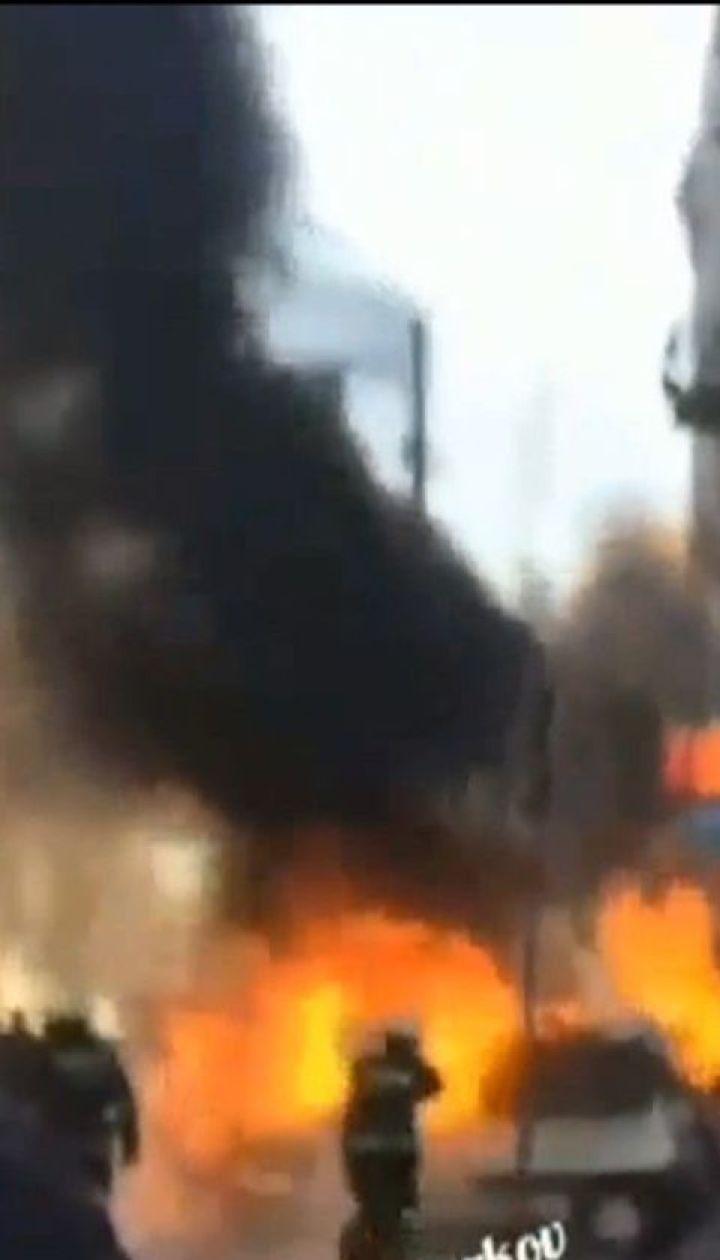 Из-за технической неисправности легковушка сгорела дотла прямо на перекрестке