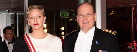 В вечернем платье на красной дорожке: эффектная княгиня Шарлин вышла в свет