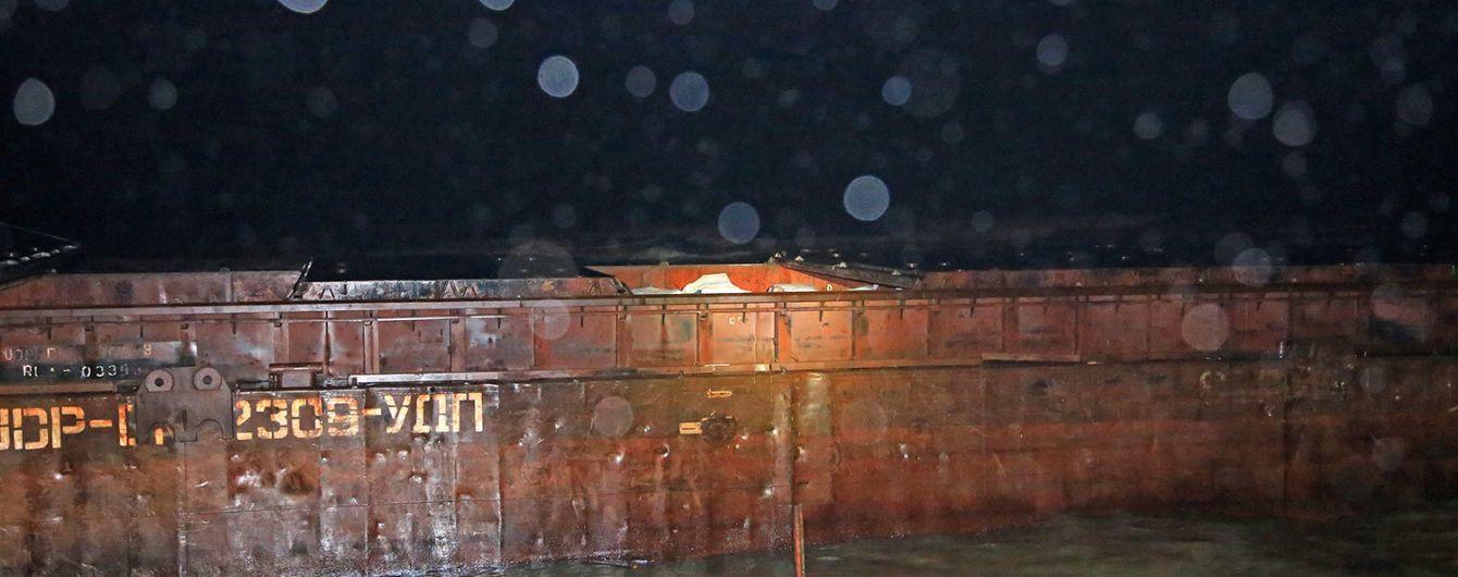В Черном море попал в аварию буксир, который тянул баржу контрабанды из РФ - активисты