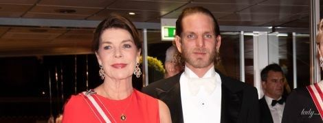 У красивій червоній сукні: 61-річна принцеса Монако Кароліна вразила вечірнім образом