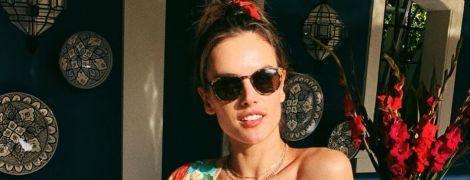 В купальнику та з келихом: Алессандра Амбросіо поділилася знімком з відпочинку