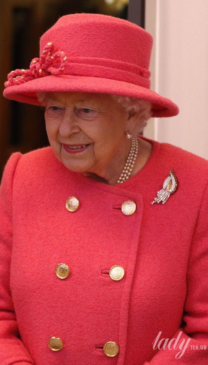 Королева Єлизавета II в день річниці свого весілля приїхала на інший святковий захід
