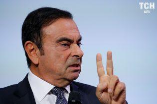 Акции Nissan-Renault обвалились на 12% после заключения главы концерна