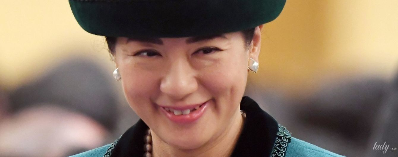 В изумрудном костюме и в жемчуге: элегантный образ японской принцессы Масако