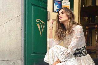 В кружевном платье Dior и ботинках: стильный образ испанки Сары Карбонеро