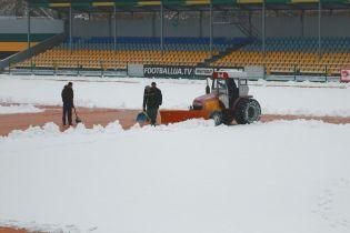 """УПЛ повертається. Стадіон """"Олександрії"""" замело снігом"""