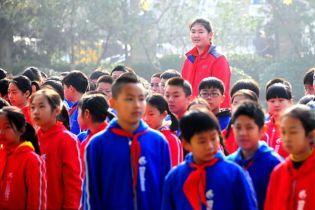 В Китае нашли самую высокую на планете девочку. В 11 лет ее рост - более двух метров