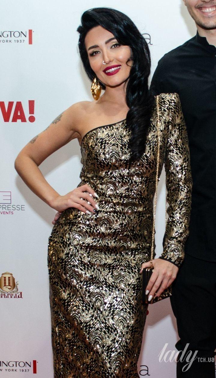 Ефектні образи зірок на Viva! Бал: Добриднєва у блискучій сукні, Alyosha - у смарагдовій, Вітвіцька - зі сміливим декольте