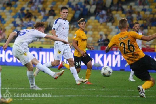 Український футбол на ТБ. Де дивитися матчі 16 туру УПЛ