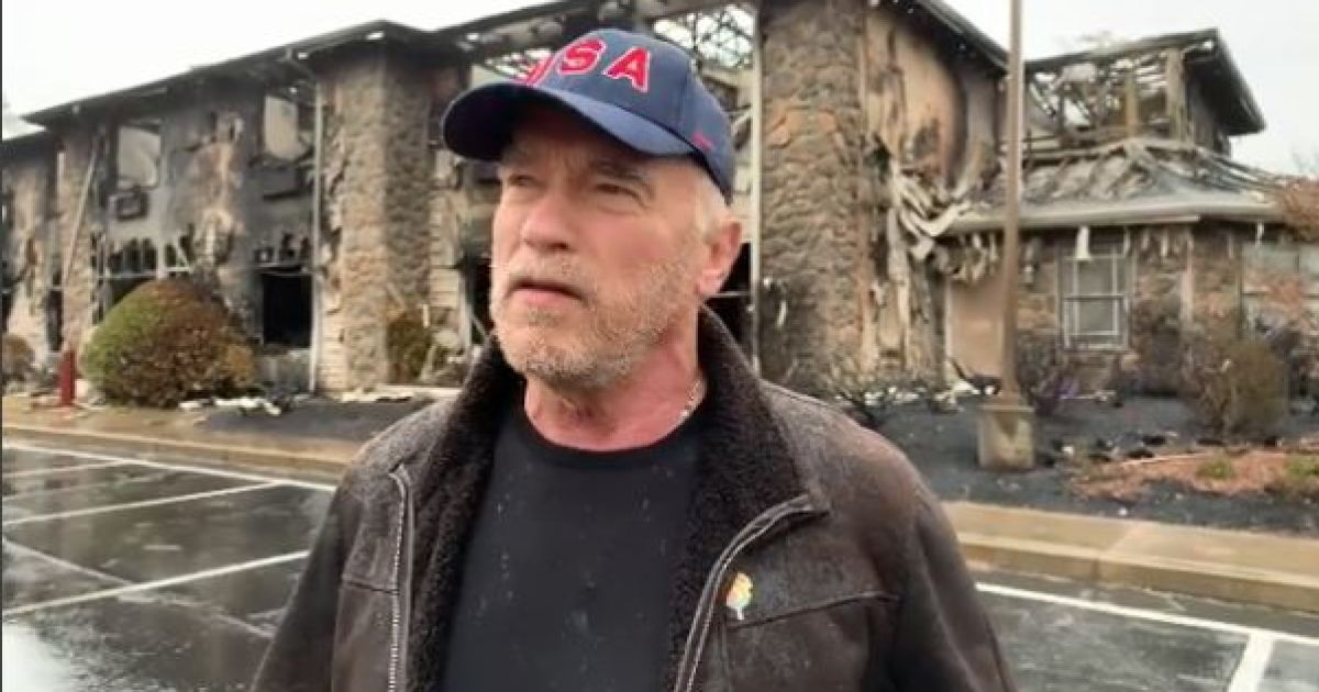 Каша от Арнольда: Шварценеггер покормил пожарных Калифорнии