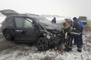 На Черкасчине BMW разорвало при столкновении с Acura, двое людей погибли