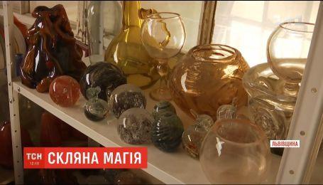 Львів'янин виготовляє вироби зі скла, що стали популярними за кордоном