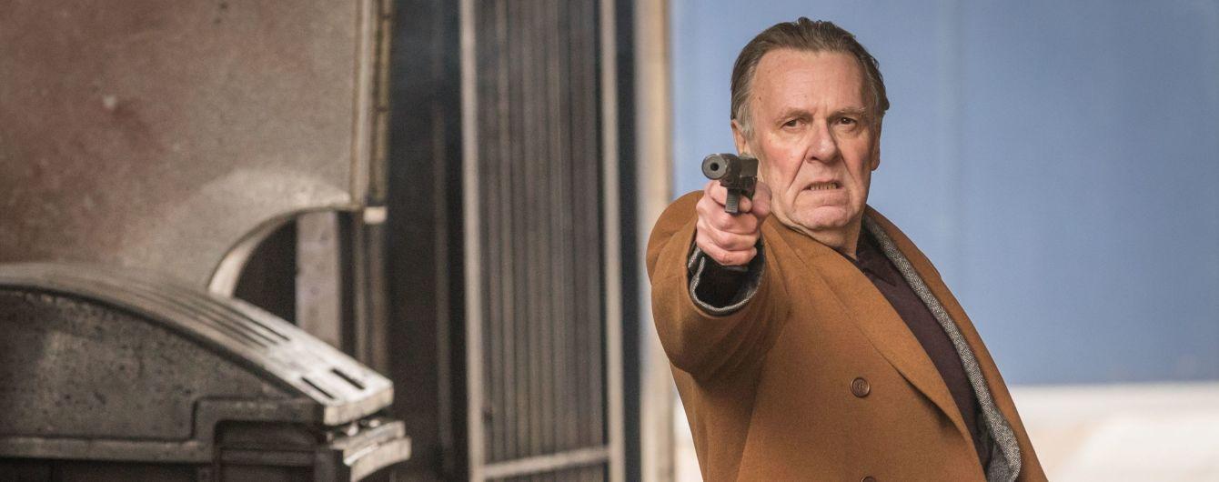 """Номінант """"Оскара"""" Том Вілкінсон зіграв янгола смерті у комедійному бойовику """"Кілер з гарантією"""""""