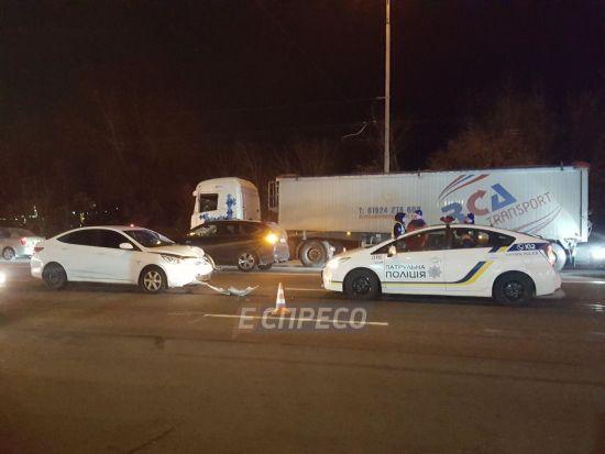 У Києві крадія, що тікав із супермаркету, насмерть збив автомобіль