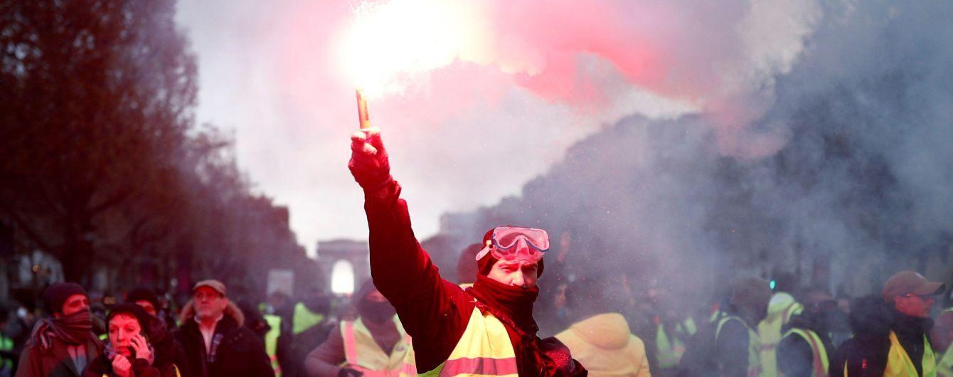 У Франції призупинять підвищення податку на пальне, яке призвело до масових акцій