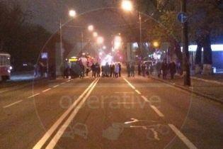 В Киеве жители перекрывали дорогу из-за отсутствия отопления и горячей воды
