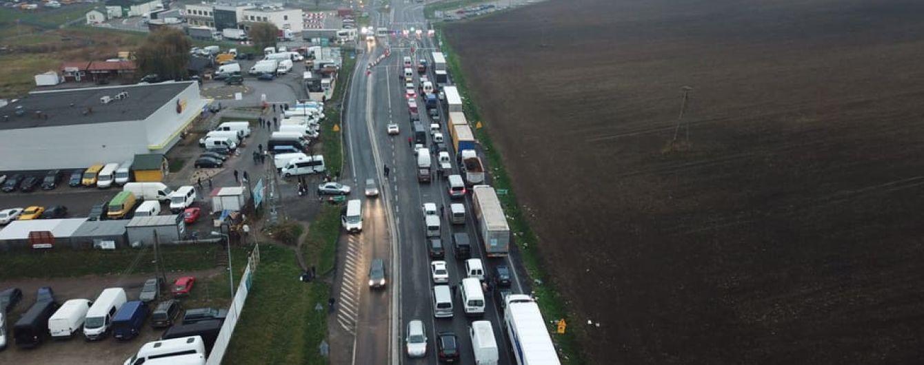 """Польща пригрозила санкціями """"євробляхерам"""", які блокували кордон"""