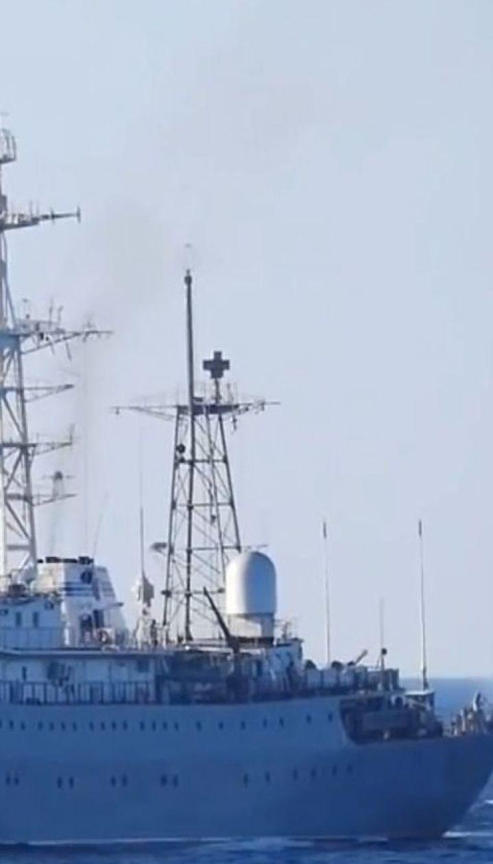 Россияне открыли огонь по украинским катерам у Керченского пролива