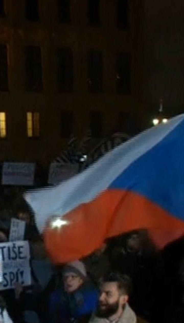 У Чехії мітингарі вимагають відставки прем'єр-міністра через заяви його сина
