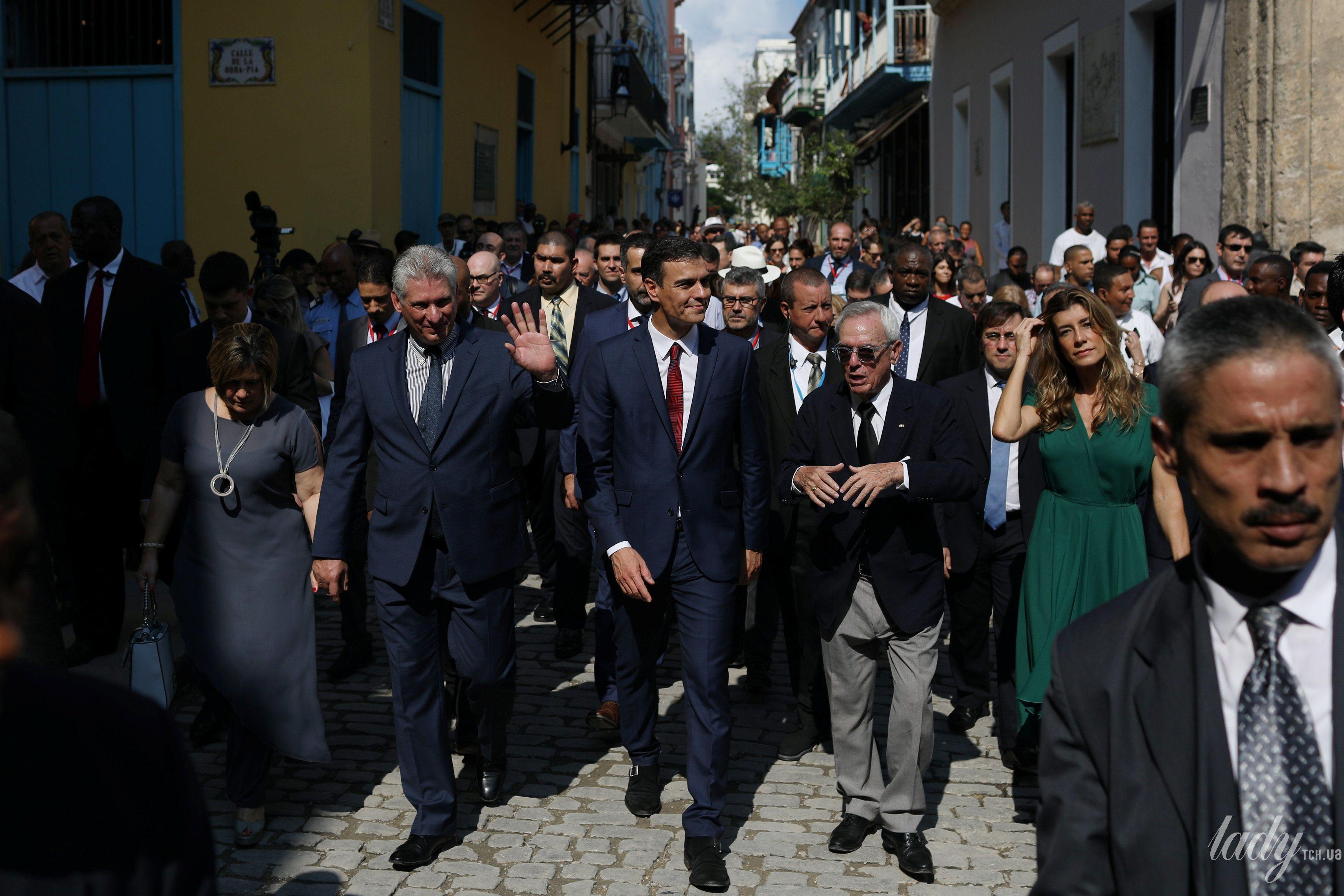 Премьер-министр Испании с супругой и президент Кубы с женой_5
