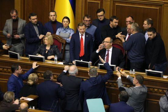 """Із """"Кличком"""" і """"нечистю"""": як депутати ВР схвалювали закон про """"міграцію"""" православних парафій"""