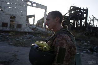 """Військові на передовій розповіли, як бойовики їх """"вітали"""" із Днем Збройних сил"""