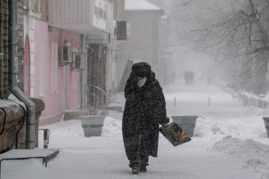 Сніг, дощ та ожеледиця. Синоптики попереджають про складні погодні умови